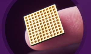 A version of Microchip Biotech's implantable, wirelessly controlled microchip. When an electrical current is delivered to one of the chip's tiny reservoirs, a single dose of therapeutics is released into the body. (Source: Microchips Biotech)